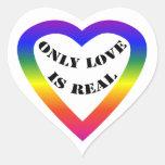 Solamente el amor es real calcomanías corazones