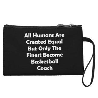 Solamente el entrenador de béisbol convertido más