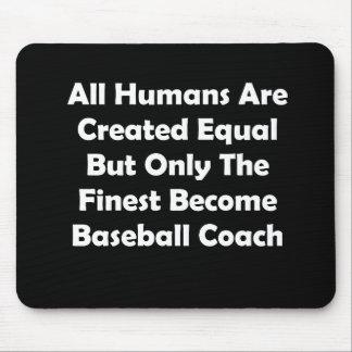 Solamente el entrenador de béisbol convertido más tapete de ratones