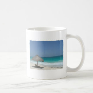 solamente en la playa taza clásica