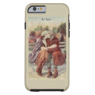 Solamente en los amantes pasados que besan romance funda de iPhone 6 tough