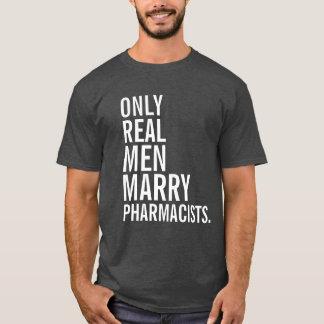 Solamente los hombres reales casan a farmacéuticos playera