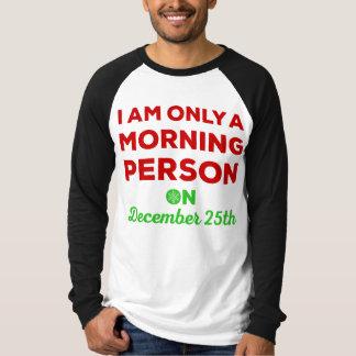 Solamente una persona de la mañana el 25 de playera