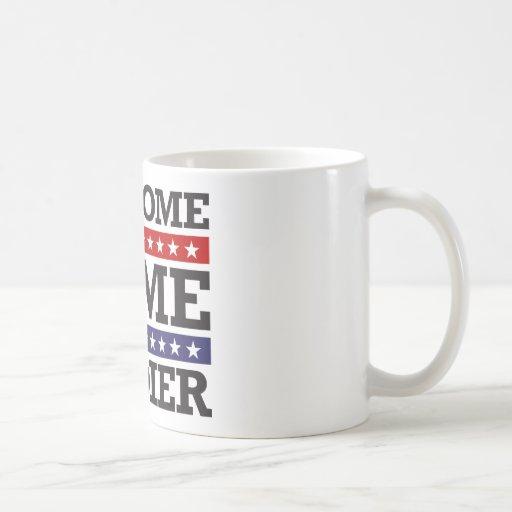 Soldado casero agradable tazas de café