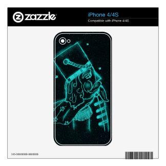 Soldado de juguete en negro y aguamarina skins para iPhone 4