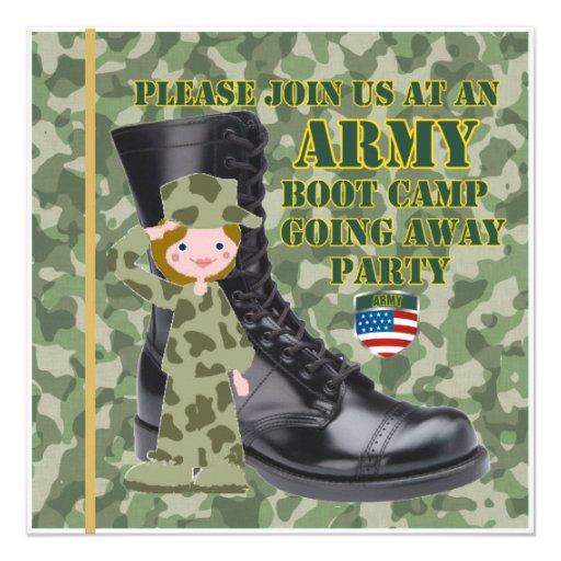 Soldado de sexo femenino Boot Camp que va lejos in Comunicados Personales