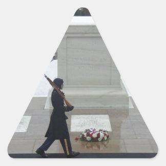"""Soldado desconocido "" Pegatina Triangular"