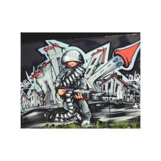 Soldado urbano de la pintada lona envuelta para galerías