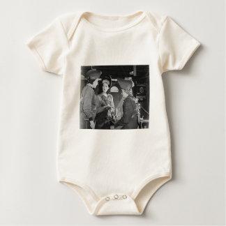 Soldadores de las mujeres traje de bebé