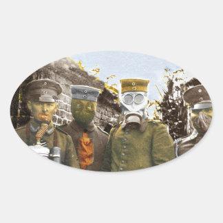 Soldados alemanes en caretas antigás pegatina ovalada