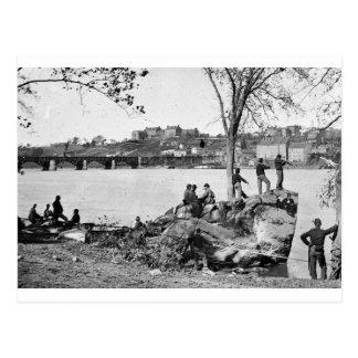 Soldados de la unión que guardan el río Potomac en Postal