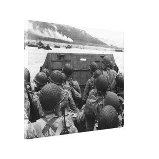 Soldados del día D en un barco de Higgins Impresiones En Lona Estiradas