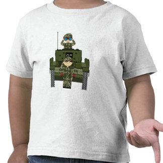 Soldados del ejército británico y camiseta del tan