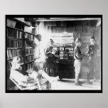 Soldados en   la biblioteca 1912 poster