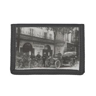 Soldados franceses, coche, moto