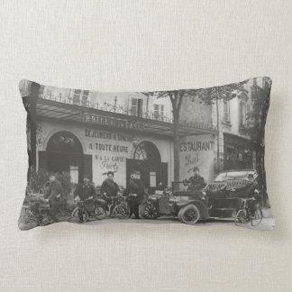 Soldados franceses, coche, moto almohadas