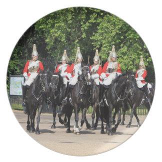 Soldados montados caballería del hogar en la foto  platos para fiestas