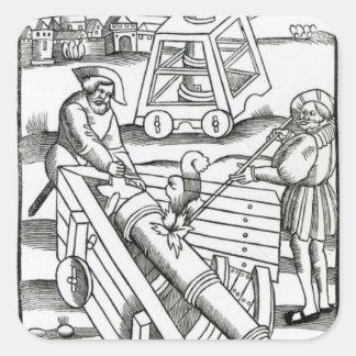 Soldados que encienden un cañón pegatina cuadrada