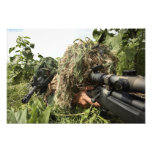 Soldados vestidos en juegos del ghillie fotografías