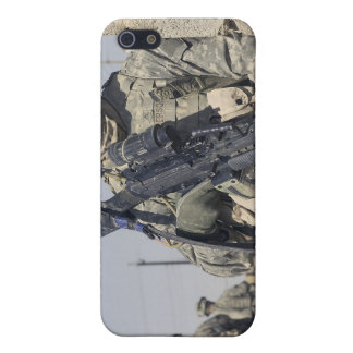 Soldier armed with a MK-48 Cover For iPhone SE/5/5s
