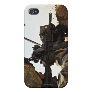 soldier engages enemy forces case for iPhone 4