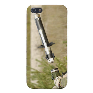 soldiers firing an FGM-148 Javelin iPhone 5 Cover