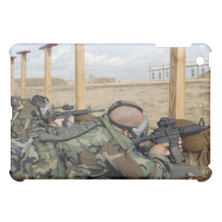 Soldiers sight M-4 rifles down range iPad Mini Case