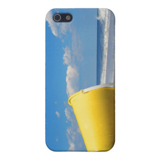 Solitary Beach Pail Cover For iPhone SE/5/5s