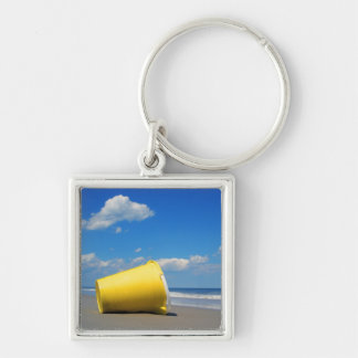 Solitary Beach Pail Keychain