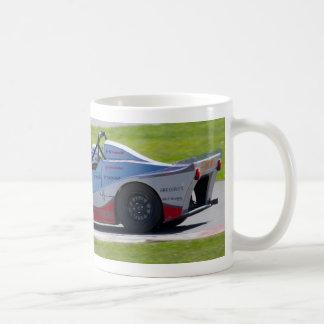 Solo coche de carreras de plata del seater taza de café