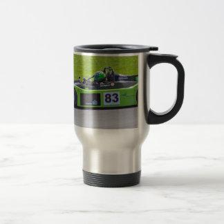 Solo coche de carreras verde del seater tazas de café