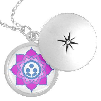 Solo logotipo del centro del zen de la flor collar con colgante