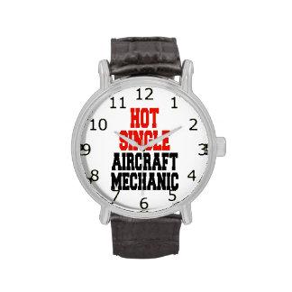 Solo mecánico de aviones caliente