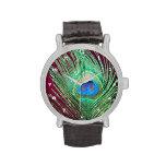 Solo pavo real con rosa oscuro reloj de mano