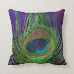 Solo pavo real de la hoja púrpura cojines