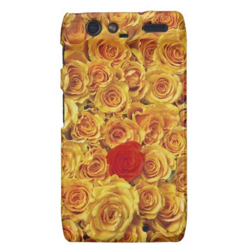 Solo rojo en rosas amarillos de la cama droid RAZR fundas