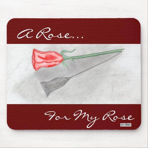 Solo rosa rojo mousepads