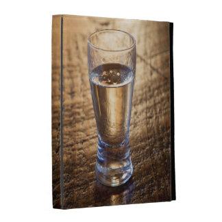 Solo tiro del Tequila en la tabla de madera