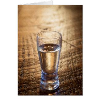 Solo tiro del Tequila en la tabla de madera Tarjeta De Felicitación