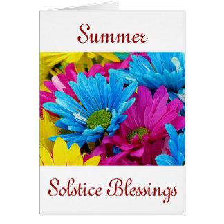 Solsticio de verano con las flores de la margarita tarjeta de felicitación