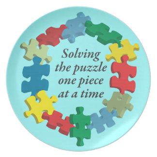 Solucionar la placa azul del rompecabezas… platos de comidas