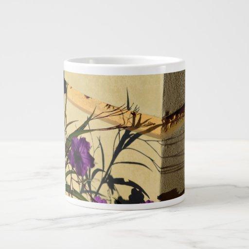 sombra de la flor en petunia mexicana púrpura del  taza jumbo