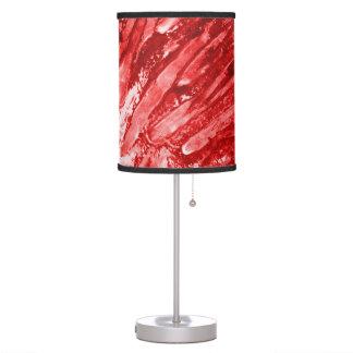 Sombra de lámpara en rojo caliente del fuego