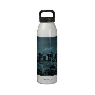 Sombras azules de Escala Seattle Botellas De Beber