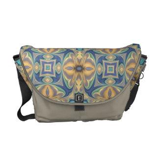 Sombras del bolso abstracto floral azul de Kalieds Bolsas De Mensajería