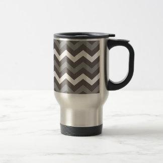 Sombras grises con los zigzags blancos taza de viaje