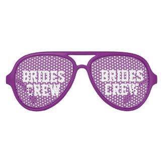 Sombras púrpuras lindas del fiesta del lentes de sol