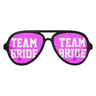 Sombras rosadas de neón del fiesta del lentes de sol
