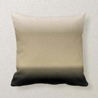 Sombras sutiles del beige al negro cojines