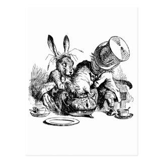 Sombrerero enojado y liebres de marzo dunking el postales